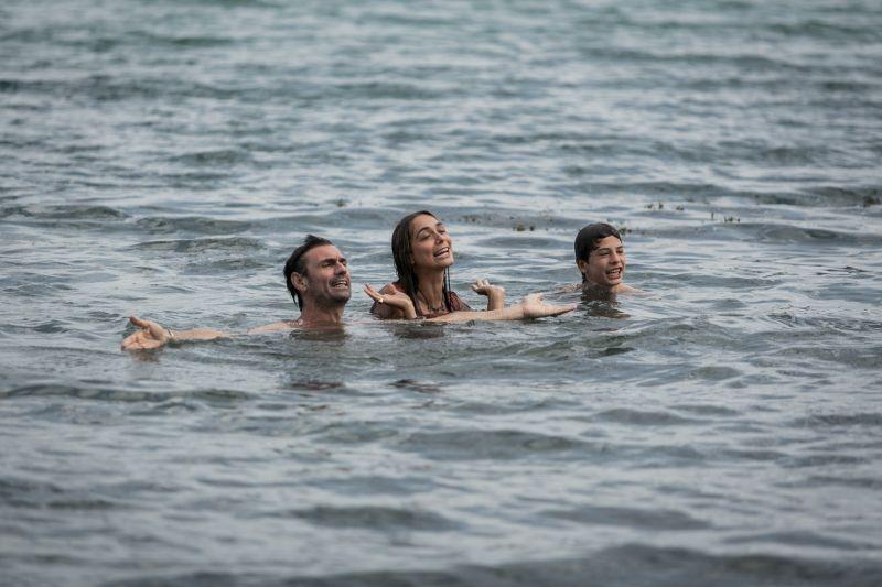Noi 4: i protagonisti Fabrizio Gifuni, Ksenija Rappoport, Lucrezia Guidone e Francesco Bracci in una foto promozionale
