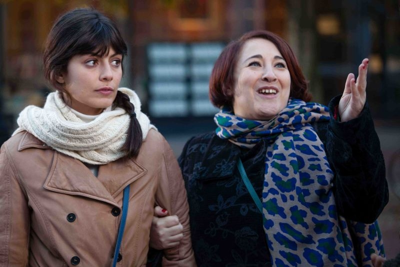 Amici come noi: Alessandra Mastronardi e Maria Di Biase in una scena
