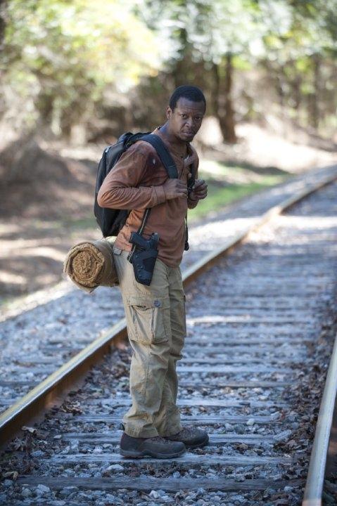 The Walking Dead: Lawrence Gilliard Jr. in una scena dell'episodio Solo