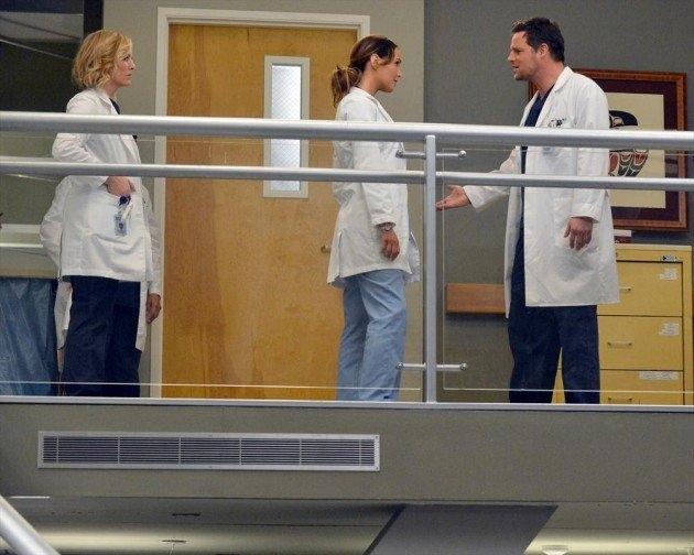 Grey's Anatomy: Justin Chambers e Camilla Luddington in una scena dell'episodio You've Got to Hide Your Love Away
