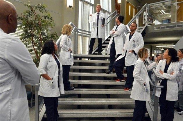 Grey's Anatomy: Kevin McKidd e Patrick Dempsey durante una scena dell'episodio You've Got to Hide Your Love Away