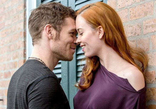 The Originals: Joseph Morgan con Elyse Levesque nell'episodio Moon Over Bourbon Street