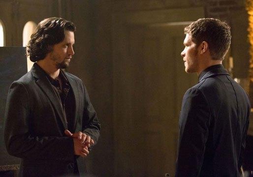 The Originals: Joseph Morgan e Nathan Parsons in una scena dell'episodio Moon Over Bourbon Street