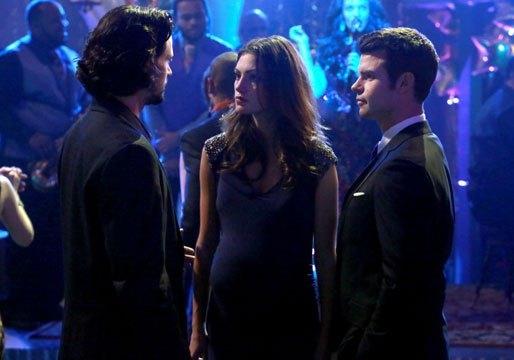 The Originals: Daniel Gillies, Nathan Parsons con Phoebe Tonkin in una scena dell'episodio Moon Over Bourbon Street
