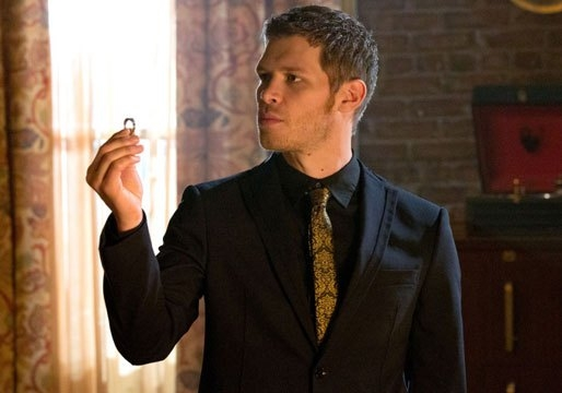 The Originals: Joseph Morgan durante una scena dell'episodio Moon Over Bourbon Street