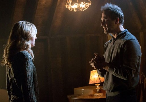 The Originals: Leah Pipes e Todd Stashwick in una scena dell'episodio Moon Over Bourbon Street
