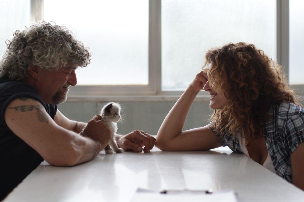 In grazia di Dio: Angelico Ferrarese e Laura Licchetta in una scena del film