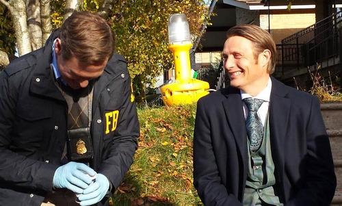 Hannibal: Mads Mikkelsen sul set della serie