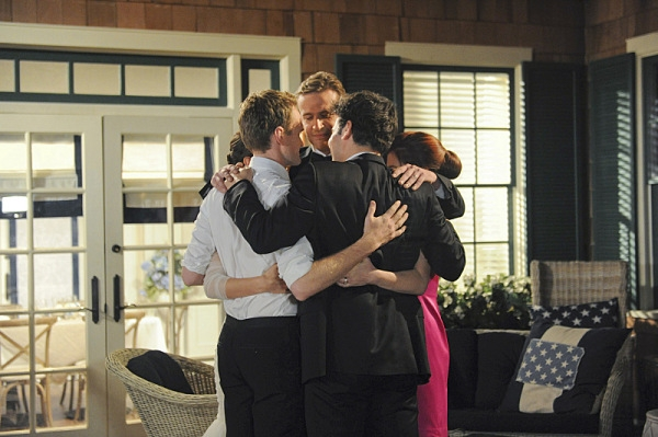 How I Met Your Mother: Neil Patrick Harris con Alyson Hannigan, Jason Segel, Josh Radnor, Cobie Smulders nel finale di serie