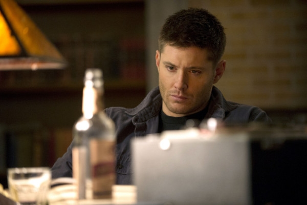 Supernatural: Jensen Ackles nell'episodio Mother's Little Helper