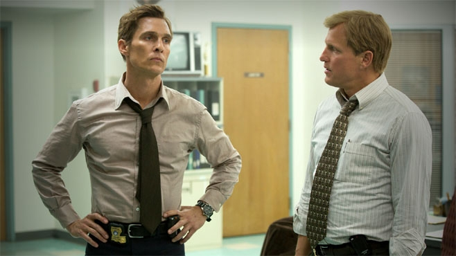True Detective: Woody Harrelson insieme a Matthew McConaughey nell'episodio The Long Bright Dark