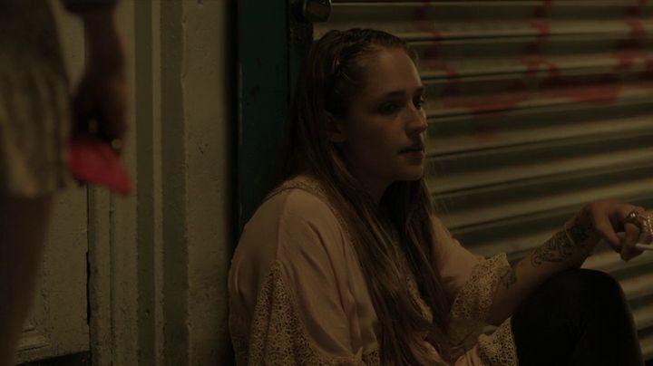 Girls: Jemima Kirke durante una scena dell'episodio Role-Play della terza stagione