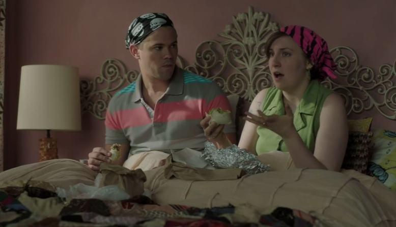 Girls: Lena Dunham durante una scena dell'episodio Role-Play della terza stagione