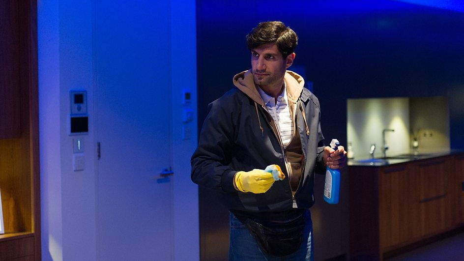 Inside No. 9: Kayvan Novak nell'episodio A Quiet Night In