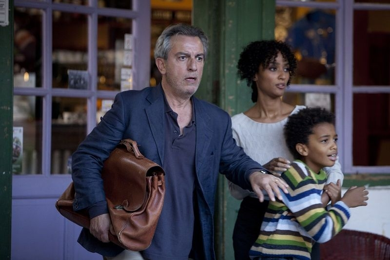 Nottetempo: Esther Elisha in una concitata scena del film con Gianfelice Imparato e Samuel Colungi