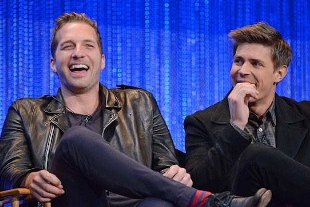 Ryan Hansen con Chris Lowell durante il Paleyfest del 2014