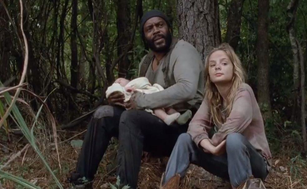 The Walking Dead: Chad L. Coleman con Brighton Sharbino in una scena dell'episodio Il bosco