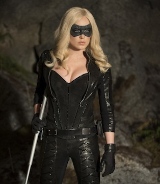 Arrow: Caity Lotz durante l'episodio Birds of Prey