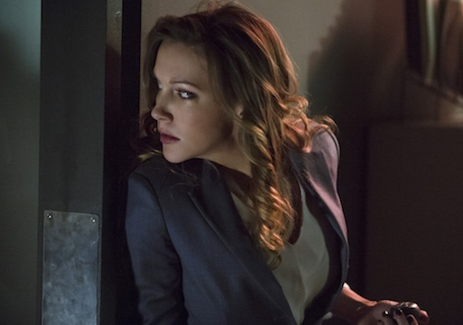 Arrow: Katie Cassidy durante l'episodio Birds of Prey