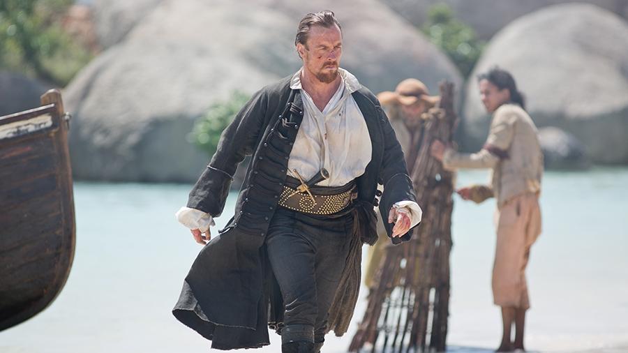Black Sails: Tom Hopper in una scena del secondo episodio della prima stagione