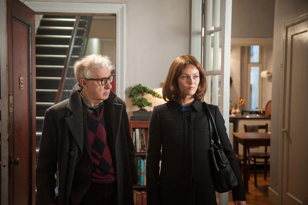 Gigolò per caso: Woody Allen con Vanessa Paradis in una scena del film