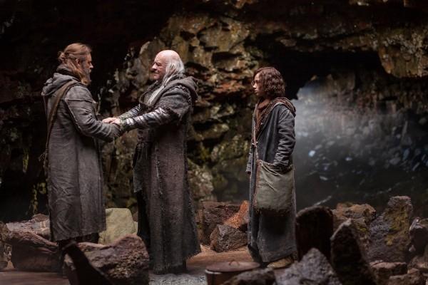 Noah: Anthony Hopkins in una scena insieme al giovane Gavin Casalegno e a Russell Crowe