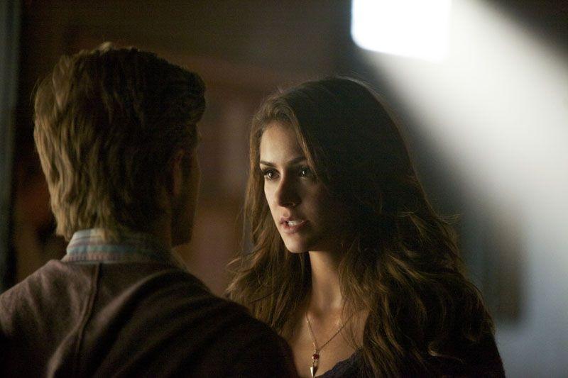 The Vampire Diaries: Nina Dobrev in una scena dell'episodio While You Were Sleeping