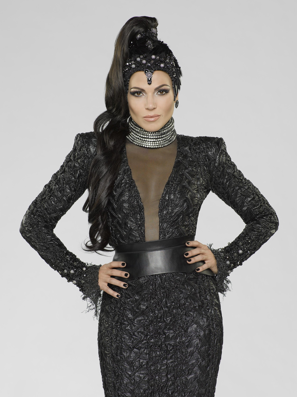C'era un volta: Lana Parrilla in un poster promozionale per la terza stagione