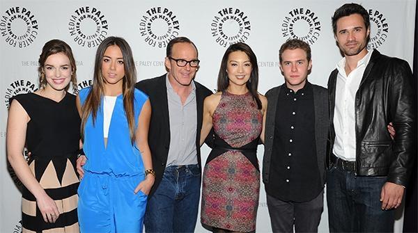 Clark Gregg con Ming-Na Wen, Chloe Bennet, Elizabeth Henstridge, Brett Dalton e Iain De Caestecker al PaleyFest del 2014