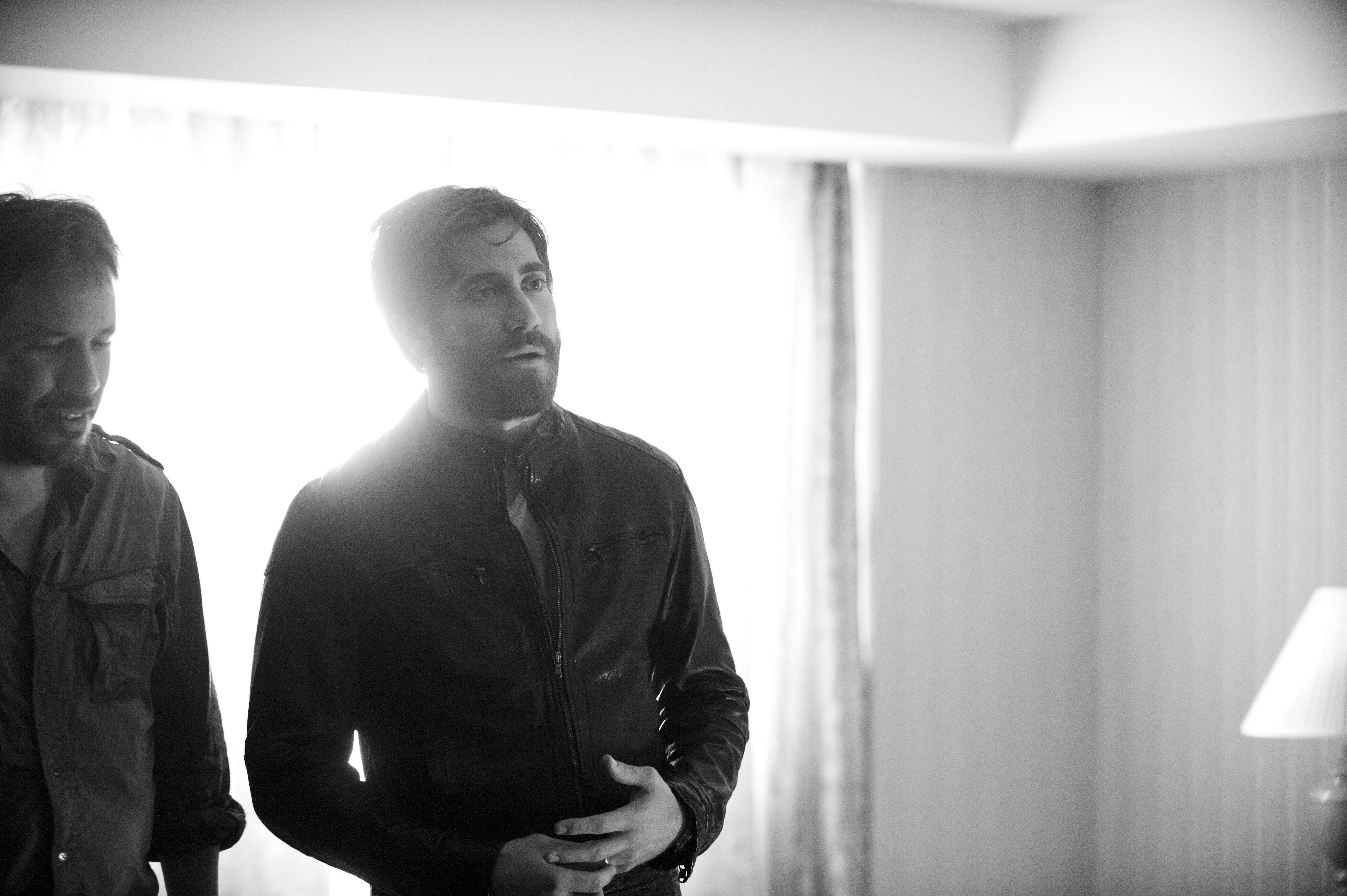 Enemy: Jake Gyllenhaal e il regista Denis Villeneuve sul set