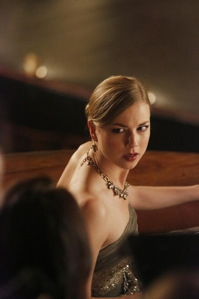 Revenge: Emily VanCamp nell'episodio Disgrace