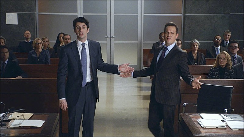 The Good Wife: Matthew Goode con Josh Charles nell'episodio Dramatics, Your Honor