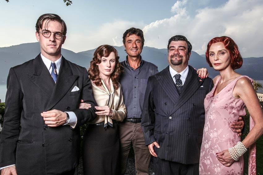 Il pretore: Francesco Pannofino con Mattia Zàccaro Garau, Sarah Maestri, Eliana Miglio e il regista Giulio Base in una foto promozionale