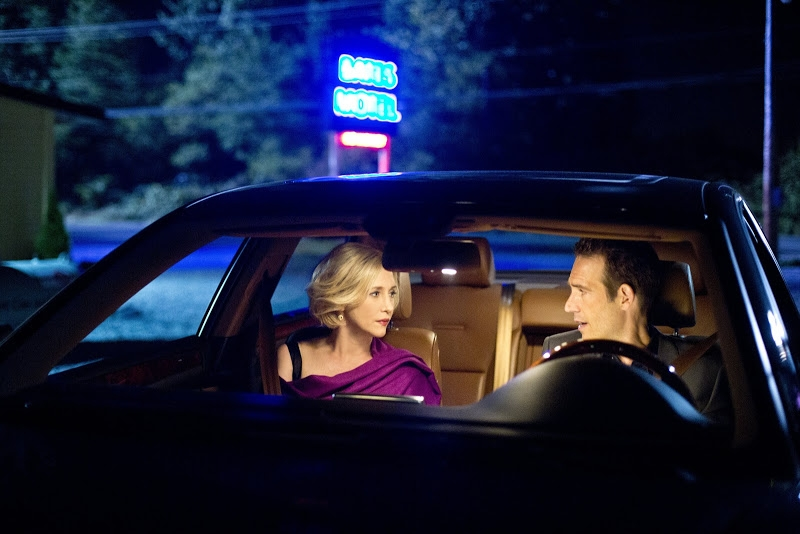 Bates Motel: Vera Farmiga in una scena dell'episodio Check-Out
