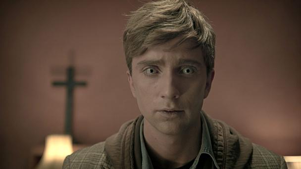 In the Fles: Luke Newberry in una prima immagine della seconda stagione
