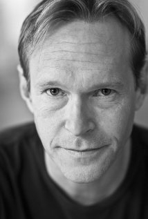 Una foto di Steven Mackintosh