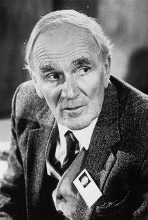 Una foto di Desmond Llewelyn