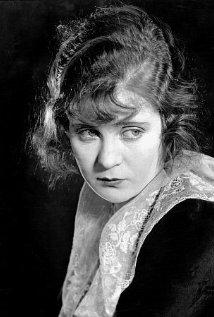 Una foto di Mae Marsh