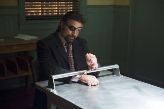 Arrow: Manu Bennett in una scena dell'episodio Deathstroke