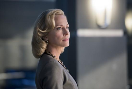 Arrow: Susanna Thompson in una scena dell'episodio Deathstroke