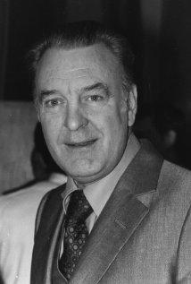 Una foto di Donald Sinden