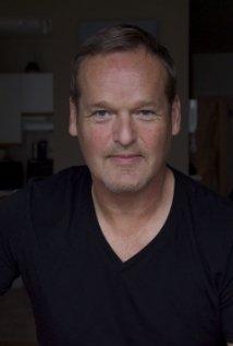 Una foto di James Ralph