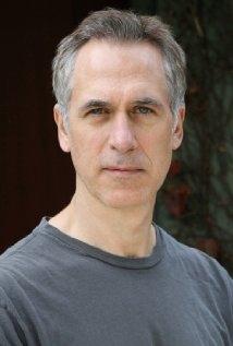 Una foto di Tom Amandes