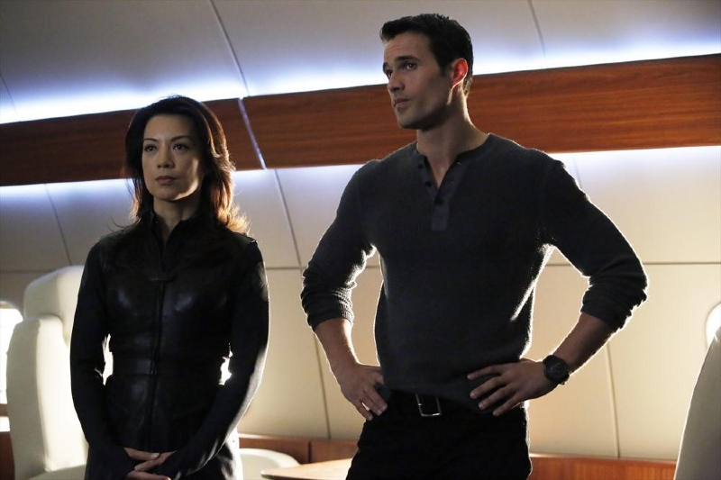 Agents of S.H.I.E.L.D.: Ming-Na Wen e Brett Dalton in un momento dell'episodio End of the Beginning