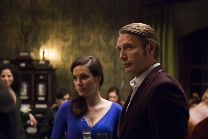Hannibal: Caroline Dhavernas con Mads Mikkelsen nell'episodio Futamono