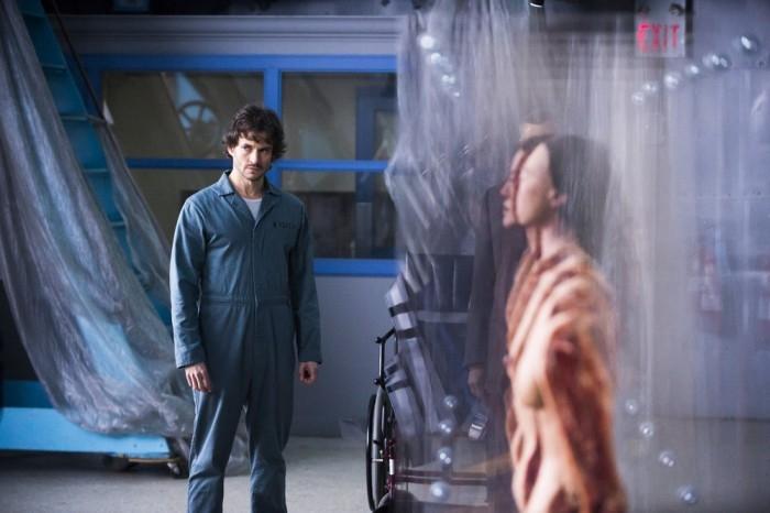 Hannibal: Hugh Dancy durante una scena dell'episodio Mukozuke