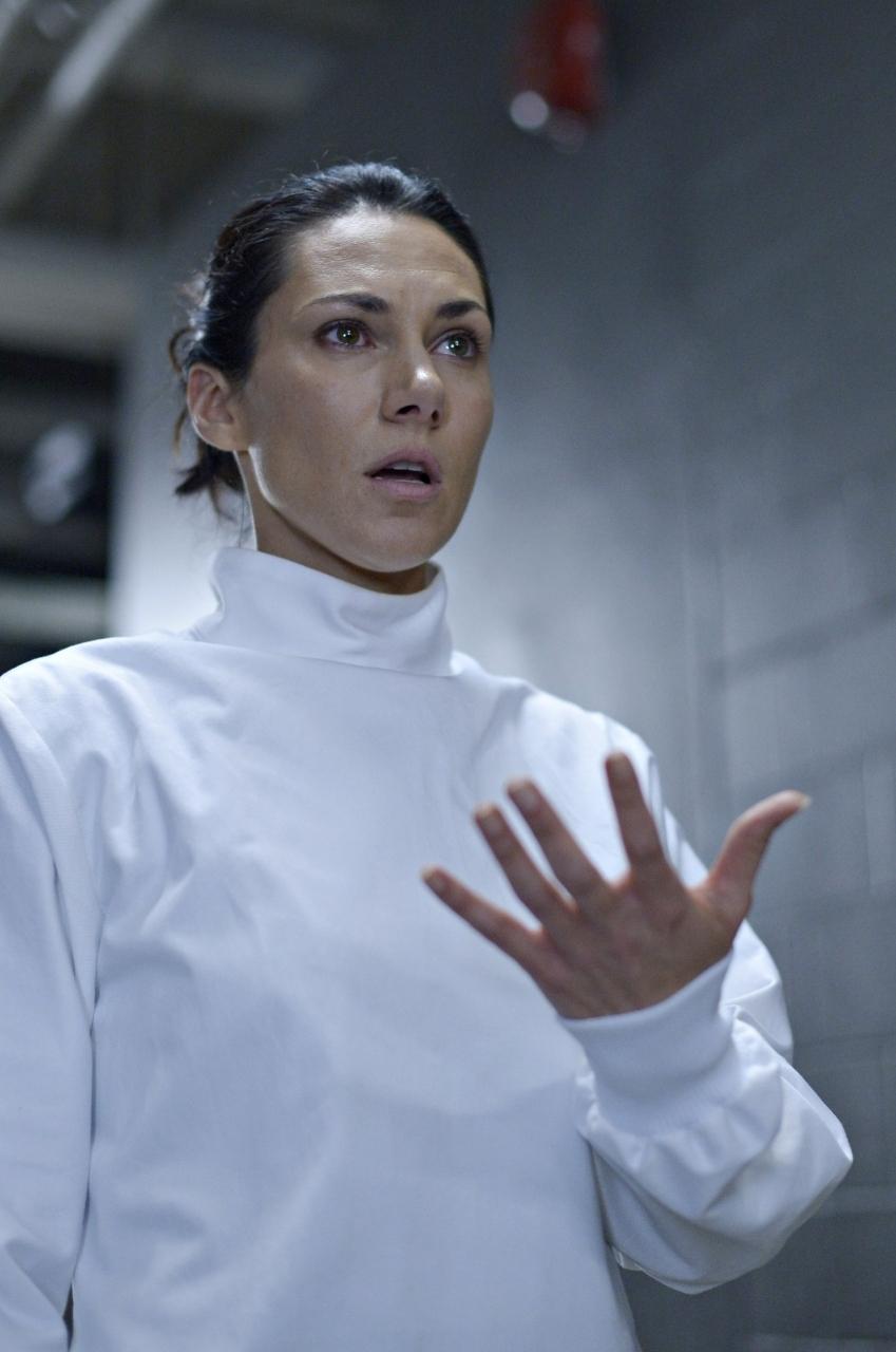Helix: Kyra Zagorsky nell'episodio 274 della prima stagione