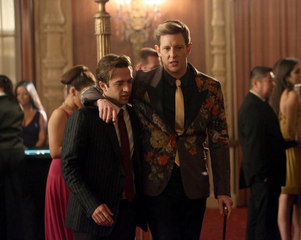 Revenge: Gabriel Mann in una scena dell'episodio Addiction, della terza stagione