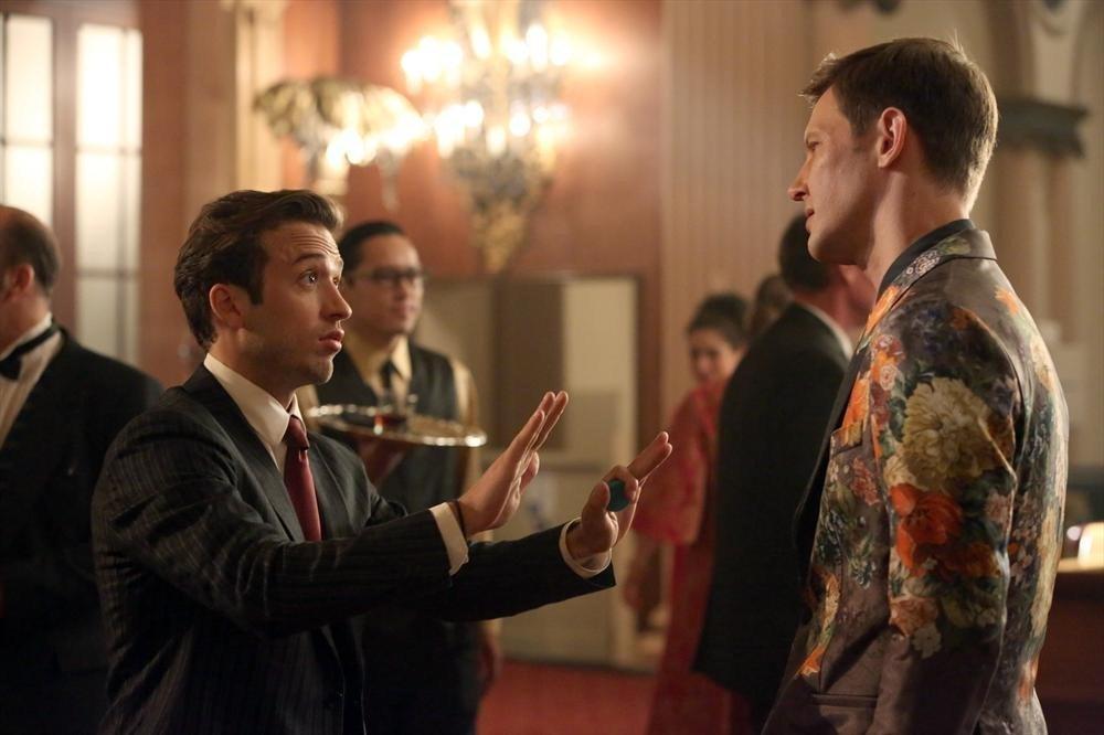 Revenge: Gabriel Mann nell'episodio Addiction, della terza stagione