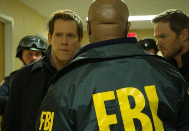 The Following: Kevin Bacon con Shawn Ashmore in una scena dell'episodio Freedom della seconda stagione